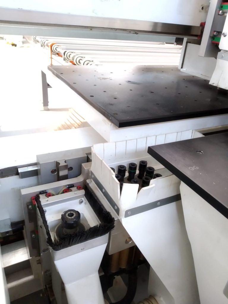 Centrum wiertarskie Master 6X CNC podczas pracy-2